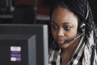 Female contact centre agent