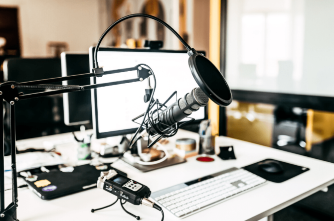 Podcast mic and laptop